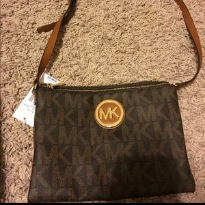 New Authentic MICHEAL KORS CROSSBODY BAG